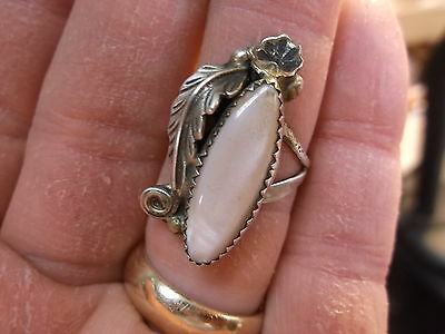 #33 of 245, NICE OLD VTG LADIES STERLING SILVER & LONG OVAL MOTHER OF PEARL RING