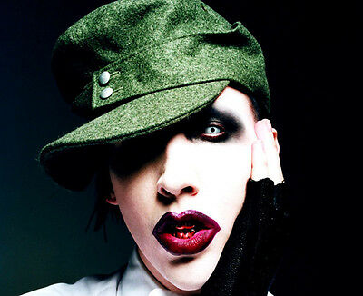 Marilyn Manson UNSIGNED photo - B698 - American musician, songwriter and actor