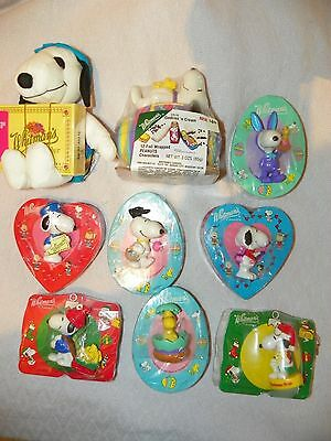NEW Set of 9 1990's Whitman's Chocolate Snoopy Peanuts Holiday Sets & Figures