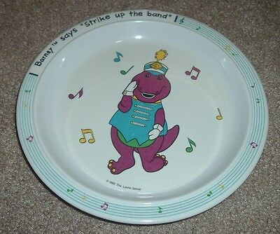 """1992 BARNEY """"Strike Up the Band"""" Children's Plate Lyons Group Plastic"""