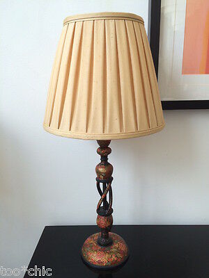 ESTATE vtg black HAND CARVED&PAINTED ORIENTAL CHINESE TABLE LAMP w/CUSTOM SHADE!