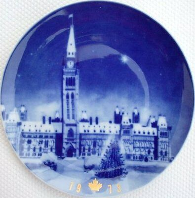 """Collector Plate """"The Parliament Building, Ottawa"""" 1973"""