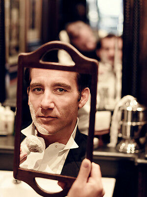 Clive Owen UNSIGNED photo - B1211 - HANDSOME!!!!!