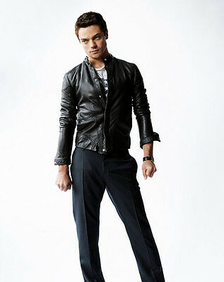 Dominic Cooper Unsigned Photo - 8876 - Dracula Untold & The History Boys