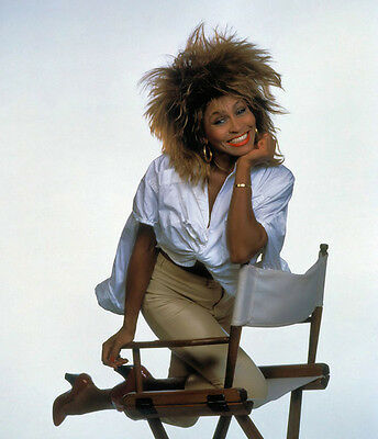 Tina Turner Unsigned Photo - 8129 - Gorgeous!!!!!