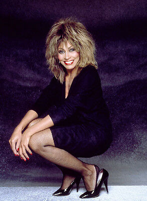 Tina Turner Unsigned Photo - 8137 - Sexy!!!!!