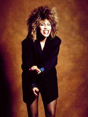 Tina Turner Unsigned Photo - 8139 - Beautiful!!!!!