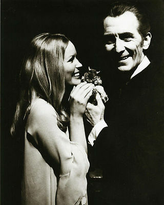 Veronica Carlson & Peter Cushing Unsigned Photo - 4066