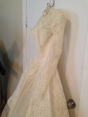 Vintage Wedding Dress Gown 50's Lace And Layers Of Tulle Size 0-2 Tiny