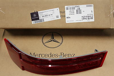 Genuine Mercedes-Benz X164 GL RH Rear Bumper Reflector Lens A1648201274 NEW