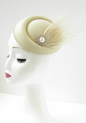 Cream Silver Ivory Feather Pearl Pillbox Hat Fascinator Headpiece 1940s Vtg B67