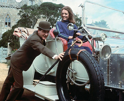 PATRICK MacNEE & DIANA RIGG UNSIGNED PHOTO - 4764 - THE AVENGERS