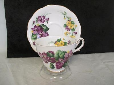 Royal Standard Lavender Lady Gold Rimmed Scalloped Teacup and Saucer kk3