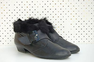 Size 9 Vintage Ladies 80s Rock Grunge Black Leather Ankle Boots with fur trim