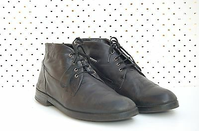 Size 41 Vintage Ladies Black flat soft leather classic lace up ankle boots