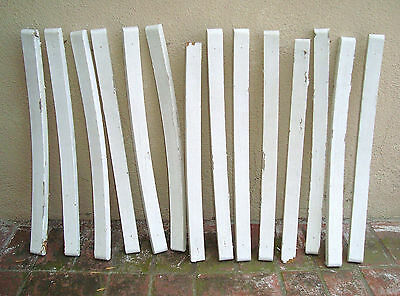 Vtg CURVED Chippy Shabby Cottage Wood Slats - Architectural Salvage - 1940s Chic