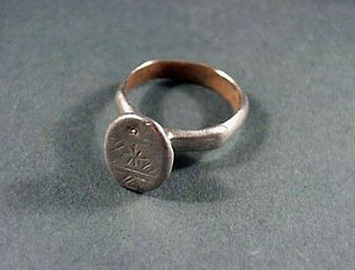 Ancient Silver Ring With Geometric Design Roman 100 - 300 Ad