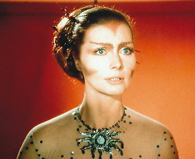 Catherine Schell Unsigned Photo - 5746 - Space 1999