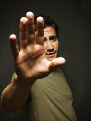 Jake Gyllenhaal Unsigned Photo - 192 - Handsome!!!