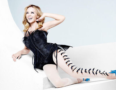 Kylie Minogue Unsigned Photo - 8196 - Beautiful!!!!!