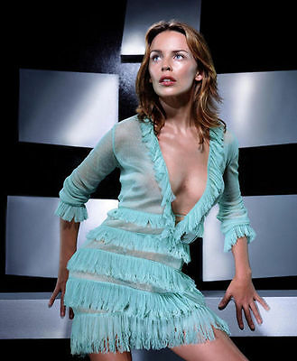 Kylie Minogue Unsigned Photo - 8207 - Gorgeous!!!!!