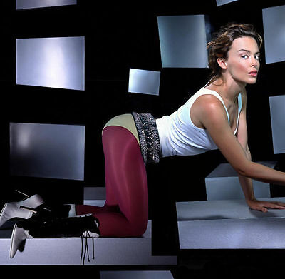 Kylie Minogue Unsigned Photo - 8208 - Gorgeous!!!!!
