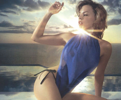 Kylie Minogue Unsigned Photo - 8219 - Sexy!!!!!