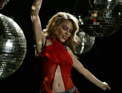 Kylie Minogue Unsigned Photo - 8252 - Spinning Around