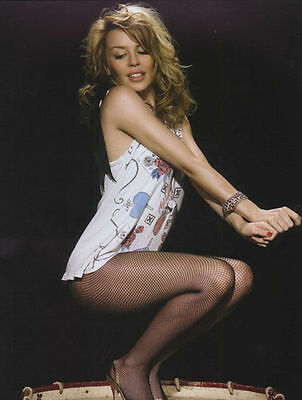 Kylie Minogue Unsigned Photo - 8259 - Gorgeous!!!!!