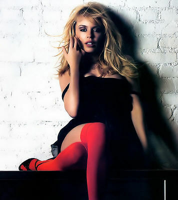 Kylie Minogue Unsigned Photo - 8268 - Gorgeous!!!!!