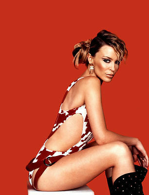 Kylie Minogue Unsigned Photo - 8269 - Gorgeous!!!!!