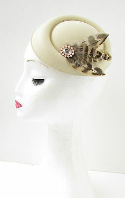 Cream Light Brown Feather Pearl Pillbox Hat Fascinator Headpiece 1940s Vtg 4AZ