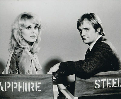 DAVID McCALLUM AND JOANNA LUMLEY UNSIGNED PHOTO - 843 - SAPPHIRE & STEEL