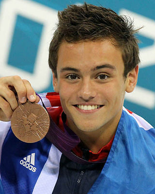 Tom Daley Unsigned Photo - 284 - Olympic Medallist Diver