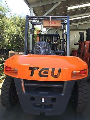 TEU Forklift 7 Ton Diesel Side Shift Container Style Entry Mast Brand New