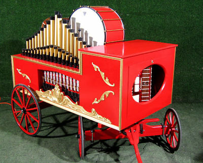 Wonderful Automated Band Wagon - Carousel music with calliope pipes Drums