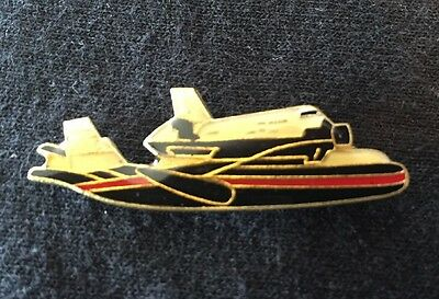 Vintage Space Shuttle Piggybacking On 747 Jet Lapel Hat Pin NASA New Old Stock