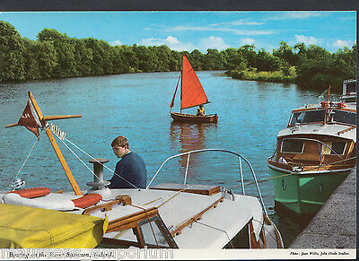 Ireland Postcard - Boating on The River Shannon    RR630