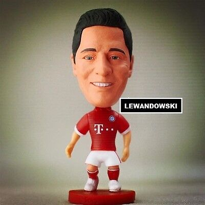 Statuina ROBERT LEWANDOWSKI #9 BAYERN MUNICH doll 2017 football action figure