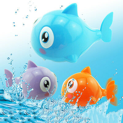 Cute Baby Kids Bath Toy Shark Wound-Up Chain Swimming Clockwork Toy Random Color