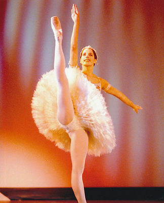 Darcy Bussell Unsigned Photo - 59 - Ballerina