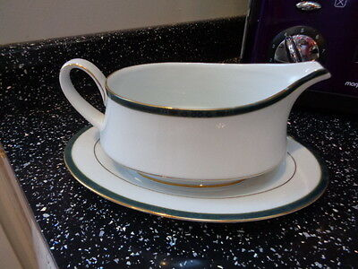 Boots Hanover Green Gravy Boat And Stand