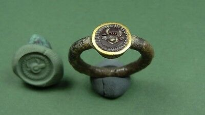 Ancient Gold & Garnet Ring With Ram / Bull Image Early Roman 200 Bc-100 Ad