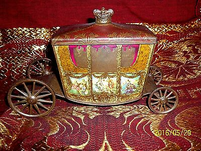 Rare Vintage 1936 - 1937 W & R Jacob's Company Coronation Coach Biscuit Tin