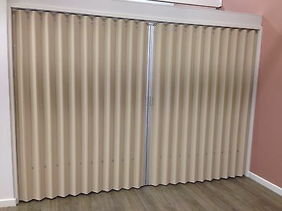 Accordion Door - Expandable - Partition - Folding - Concertina - Movable Walls