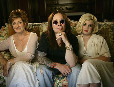 The Osbourne's Unsigned Photo - 7856 - Ozzy, Sharon & Kelly