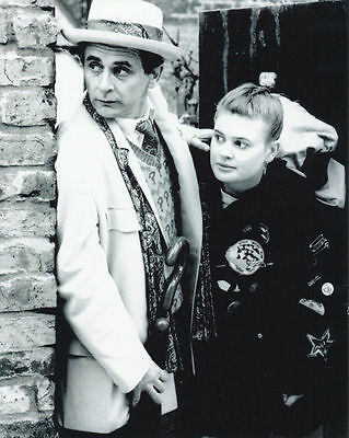 SYLVESTER McCOY & SOPHIE ALDRED UNSIGNED PHOTO - 6292 - DOCTOR WHO