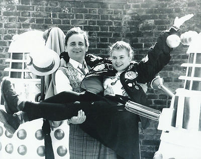 SYLVESTER McCOY & SOPHIE ALDRED UNSIGNED PHOTO - 6296 - DOCTOR WHO