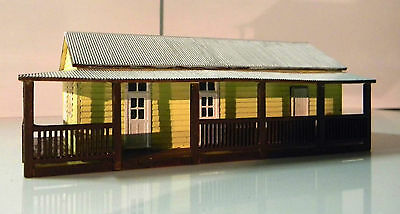 HO scale Warwick Station office building All ready Built