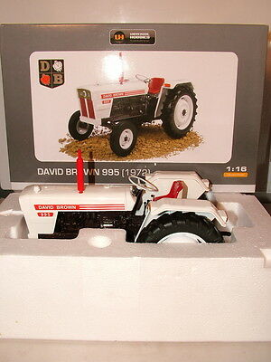 Universal Hobbies No 4884 1.16 scale 1972 David Brown 995 tractor New